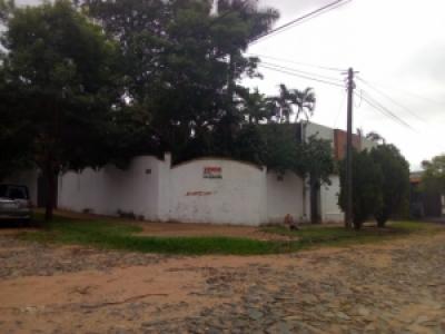 ATENCION: Oportunidad de Inversión! ¡Vendo Amplia Residencia          Zona Shopping del Sol! en Asunción