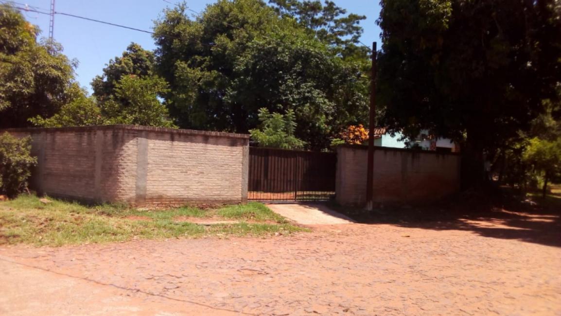 ATENCION: VENDO CASA EN ESQUINA CON SALÓN COMERCIAL en Villa Elisa